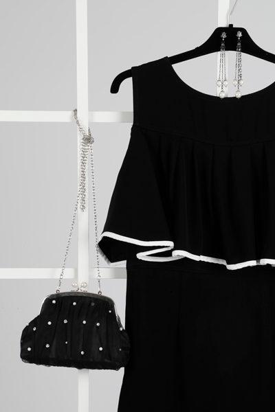 vestido-otoño-negro-blanco-perlas-mujer